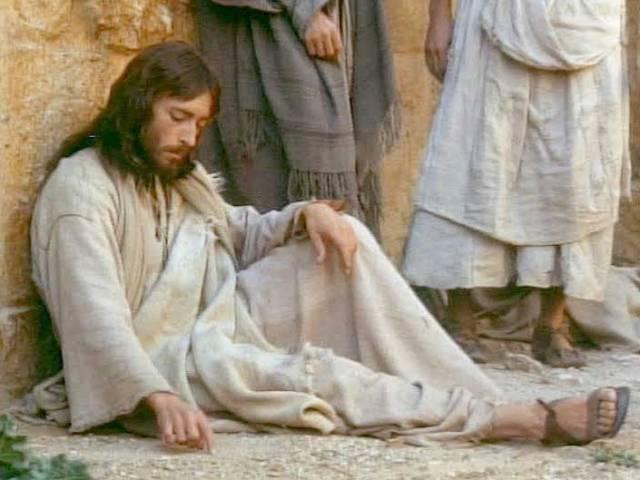 JesusWritesInSand_705x529